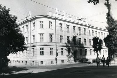 Antonovycha street