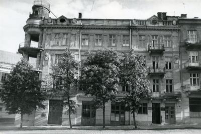 Вулиця Бандери, 3