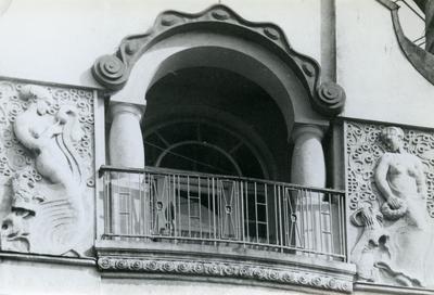 Balcony and decor of the facade at 24 Bandery Street