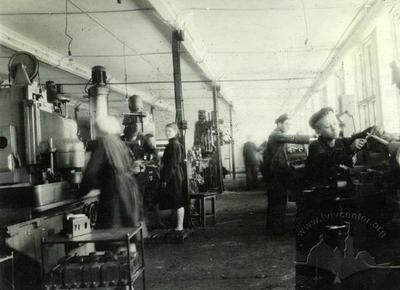 Manufacturing process at Lviv Power Lift Trucks factory