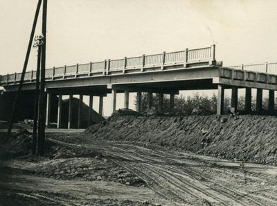 Stryiske highway, construction of the ring road bridge