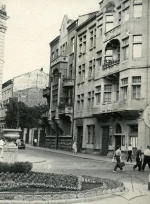 View of O. Havryliuka street (O. Fredra now), flowerbed on Shevchenka avenue is in the foreground