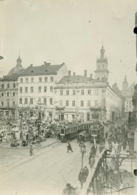 Вид східного боку площі Ринок