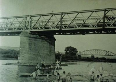 Street bridge and railway bridge
