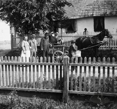 Moisei Hersh Erdgaim in front of his house in Boryslav