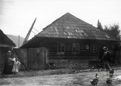 Jewish house in Carpathians with open roof (in accordance with ritual)