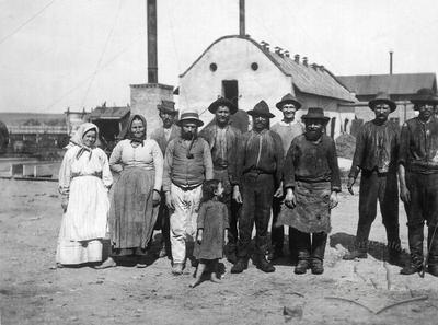 Jewish workers at refinery