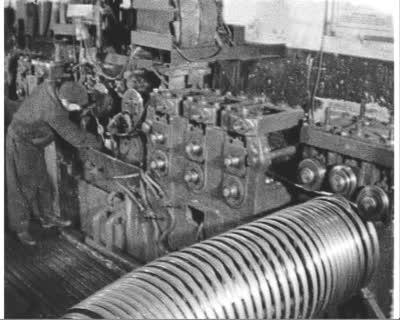 Трудові подарунки Першотравневі (завод мотовелосипедів)