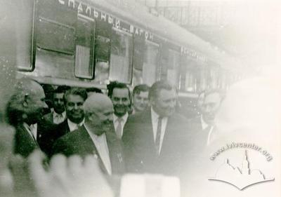 М.С. Хрущов на першому пероні львівського вокзалу