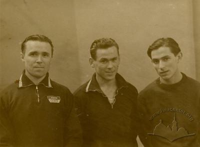 Львівські гімнасти, зліва направо: Віктор Чукарін, Кутузов, Борис Ясиновський
