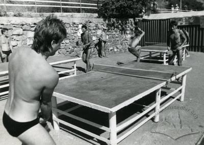 """Гра в настільний теніс у спортивно-оздоровчому таборі """"Політехнік"""""""