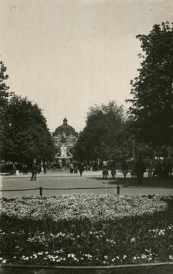 Promenade boulevard on 1 Travnia street (Svobody avenue)
