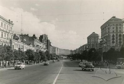 Transport on Khreschatyk street