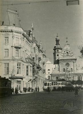 Трамваї на львівських площах