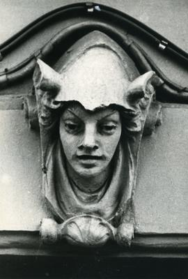 Mascaron at the building - 87 Bandery Street
