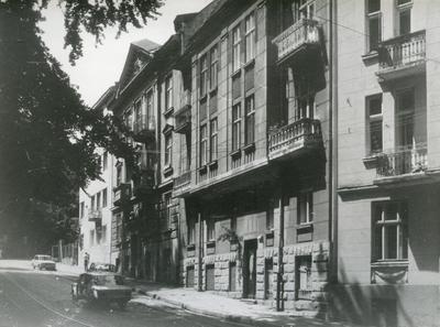 Buildings at 142, 144 Franka St.