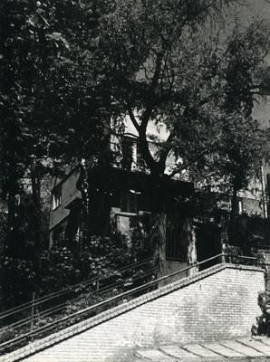 Building at 6 Tiutiunnykiv St.