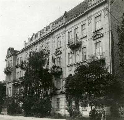 Buildings at 9, 11, 13 Svientsitskoho St.