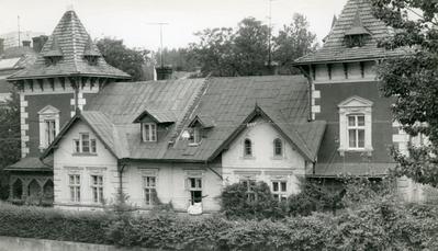 Building at 3 Stusa St.