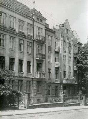 Buildings at 118, 116 Franka St.