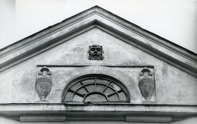 Uppermost part of the building at 33 Franka St.