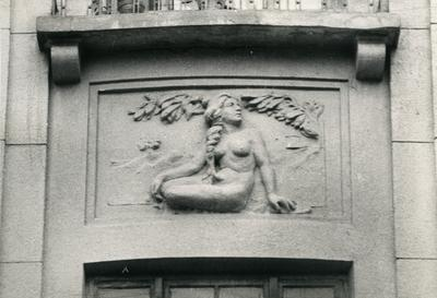 Woman bas-relief at 37 Franka St.