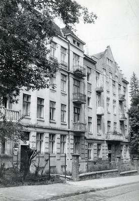 Buildings at 116, 118 Franka St.