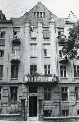 Building at 116 Franka St.