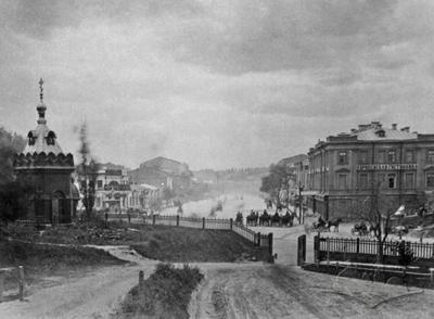 A view of Khreshchatyk street