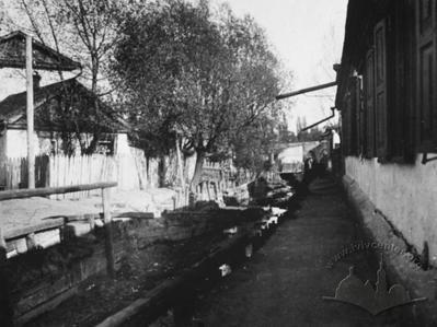The housing along the Lybid river