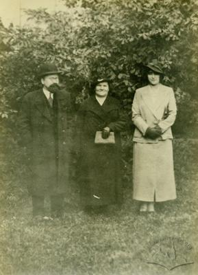 Gynecologist Wladyslaw Garbicz with his wife and daughter