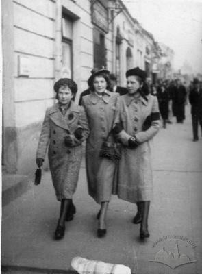 Women on The Streets of Dubno