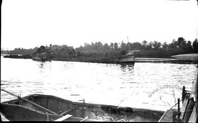 Потоплений радянський танкер