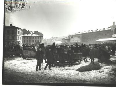 Zbozhova square with a view of a market and Rizni square
