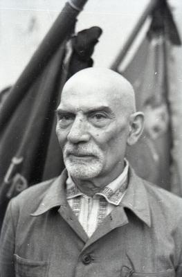 Учасник загальноміського мітингу біля будинку, де народився А.О. Жданов (вул. 1 Травня, 55)
