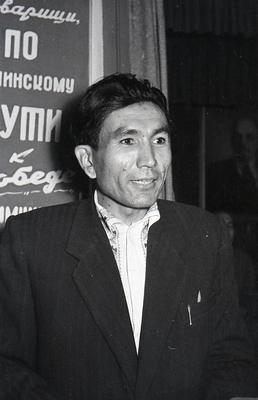 """Узбекські письменники в мартенівському цеху заводу """"Азовсталь"""""""